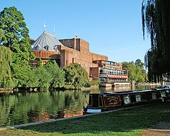 240px-Royal_Shakespeare_Theatre_and_River_Avon2